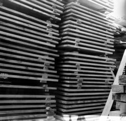 [Empilement de planches en bois II]