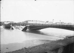 [Destruction des ponts de Lyon par l'armée allemande : pont Morand]