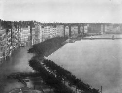 [Inondations de Lyon (1856) : montée des eaux : vue du quai Saint-Antoine et du quai des Célestins]