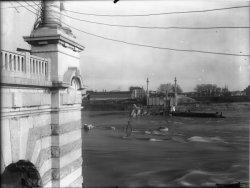[Destruction des ponts de Lyon par l'armée allemande : Pont Pasteur]