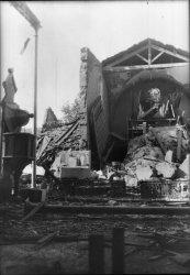 [L'Eglise Saint-Michel détruite en 1944 par un bombardement]