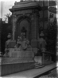 [Monument à la mémoire d'Antoine Gailleton]