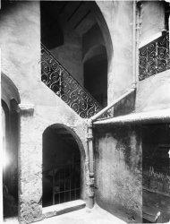 [10, rue Palais-Grillet : cage d'escalier]