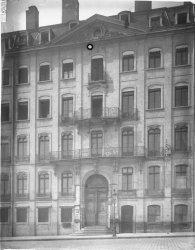 [19, place Tolozan : façade de la maison Antoine Tolozan]