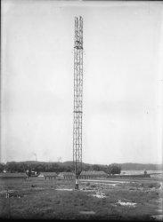 [Station de la Doua, relais radiotélégraphique et radiotéléphonique : pylônes]