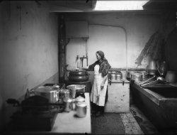 [Usine des établissements Bally-Camsat (Villeurbanne) : les cuisines]