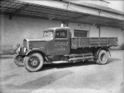 [Compagnie du Gaz de Lyon :  camion Rochet-Schneider fonctionnant au gaz de ville]