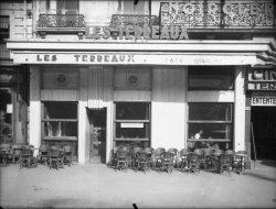 """[Café """"Les Terreaux"""", place des Terreaux]"""