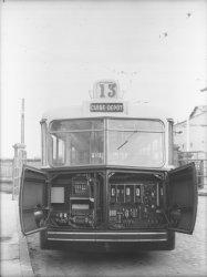 [Transport urbain : trolleybus de la ligne 13 vers Cuire]