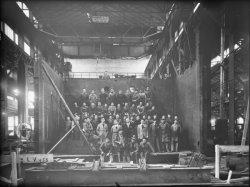[Matériel électrique SW (Schneider-Westinghouse) : groupe d'employés de l'usine de la Chaléassière]