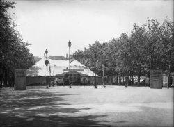 [Cirque de Paris, sur le cours de Verdun]