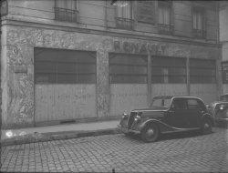 [Voiture Renault, rue Thomassin]