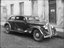 [Voiture Hotchkiss accidentée]