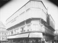 [Le Grand bazar de Lyon : travaux de surélévation du bâtiment]