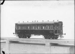 [Maquette d'un wagon de chemin de fer P.L.M.]
