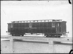 [Maquette d'un wagon de chemin de fer des Postes et Télégraphes]