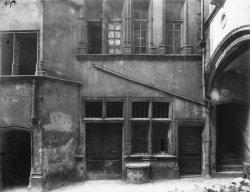 [L'Hôtel de Gadagne avant la restauration]