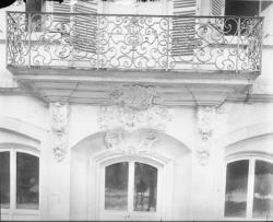 [Place Tolozan : balcon]