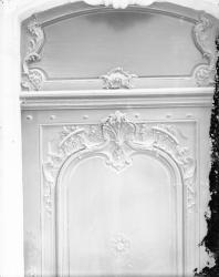 [8, Grande rue des Feuillants : porte décorée]