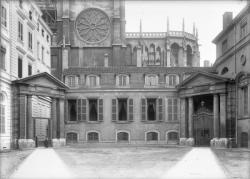 [Cour du Palais Saint-Jean, ancien palais archiépiscopal]