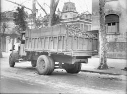 [Camion accidenté transportant du charbon]