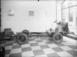 [Exposition de voitures Renault]