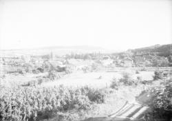 [Village et campagne environnante dans le Haut-Beaujolais]