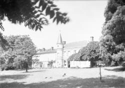 [Château de la Farge (XVIIIe siècle) à Propières dans le Haut-Beaujolais]