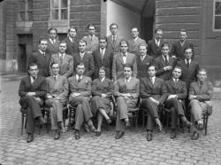 [Internat de l'Hôtel-Dieu de Lyon : portrait de groupe (concours de 1933)]