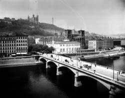 Pont Tilsitt et avenue de la Bibliothèque
