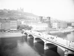 [Pont Tilsitt et avenue de la Bibliothèque]