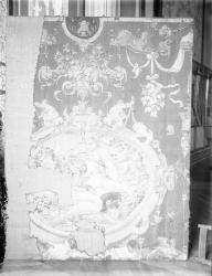 """[Fragment d'une tapisserie consacrée aux Dieux de l'Olympe : """"Neptune"""" et """"Bacchus""""]"""