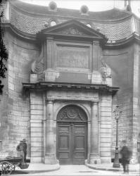 [Hôtel-Dieu de Lyon : entrée principale de l'hôpital général]
