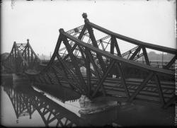 [Destruction des ponts de Lyon par l'armée allemande en septembre 1944 : viaduc de La Mulatière]