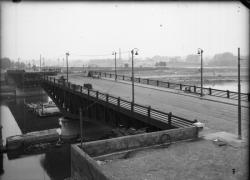 [Destruction des ponts de Lyon par l'armée allemande en septembre 1944 : pont de La Mulatière]