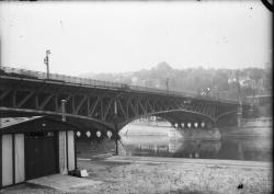 [Destruction des ponts de Lyon par l'armée allemande en septembre 1944 : viaduc de la S.N.C.F. dit viaduc de la Quarantaine à Perrache]