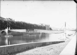 [Destruction des ponts de Lyon par l'armée allemande : passerelle Saint-Georges]