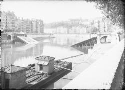 [Destruction des ponts de Lyon par l'armée allemande en septembre 1944 : pont La Feuillée]