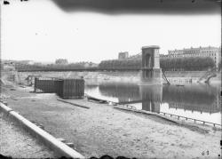 [Destruction des ponts de Lyon par l'armée allemande (septembre 1944)]