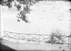 [Destruction des ponts de Lyon par l'armée allemande : pont de l'Ile-Barbe]