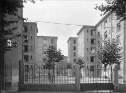 [Groupe d'immeubles sur le type des Habitations à Bon Marché (H.B.M.)]