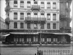 [Grand Café Riche, 49 rue de la République, à Lyon]