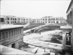 [Construction de l'hôpital Grange-Blanche (Hôpital Edouard-Herriot)]