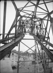 [Port Rambaud : écroulement d'un pont transbordeur]