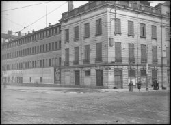 [Ancienne manufacture des Tabacs à l'angle du cours de Verdun et du quai Antoine Gailleton]