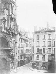 [La place Saint-Nizier avant le début des travaux d'urbanisme du Second Empire]