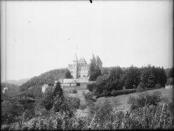 [Le château de Varey à Saint-Jean-le-Vieux dans l'Ain]