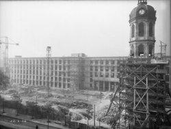 [Construction de l'Hôtel des Postes, Télégraphes et Téléphonies de Lyon (1934-1938) : l'ossature en béton armé]