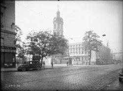 [Construction de l'Hôtel des Postes, Télégraphes et Téléphonies de Lyon (1934-1938) : l'ossature en béton armé et la place Antonin-Poncet]