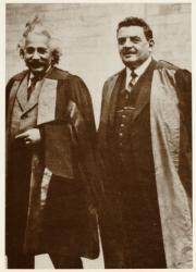 [Edouard Herriot et Albert Einstein reçus docteurs Honoris Causa de l'Université de Glasgow]